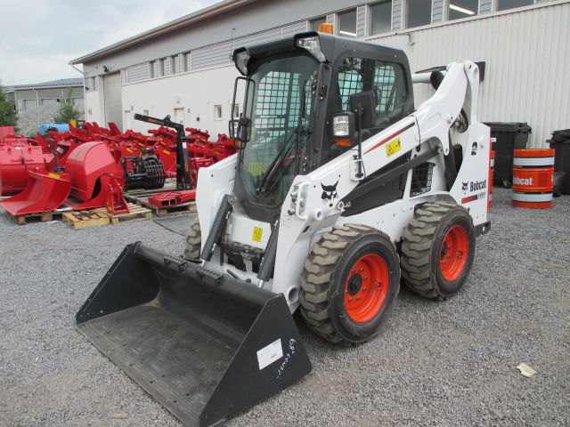 Maanrakennus T Haaviston uusi Bobcat S530