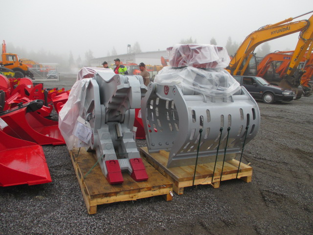 Delete oy:lle Pulveroija Demarec DRP-30 ja Kinshofer lajittelukoura pyörittäjällä D32H-P-110 HD