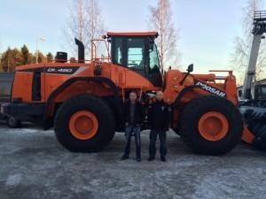 Maansiirto Jänkälät oy:n uusi Doosan DL450-5.
