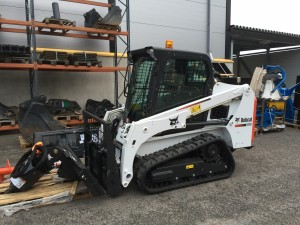 Ora-Team oy:n uusi Bobcat T450