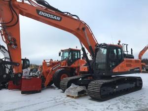 Kuljetus ja Maanrakennus P. Salonen Oy:n uusi Doosan DX300LC-5