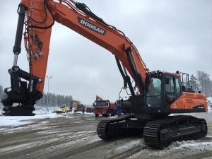 Neliöx Oy:n uusi Doosan DX380LC-5