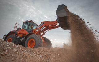 Doosan DL300-5 soveltuu keskikokoisiin materiaalinkäsittelyn tehtäviin